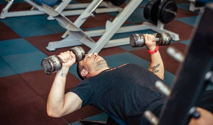 the dumbbell bench press is a barbell alternative that can be done to address unilateral strength differences