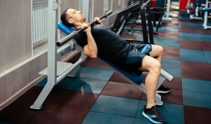 the incline barbell bench press is a great movement to increase upper pec muscle growth
