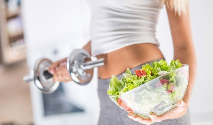 how to eat more to lose weight and still be in a calorie deficit
