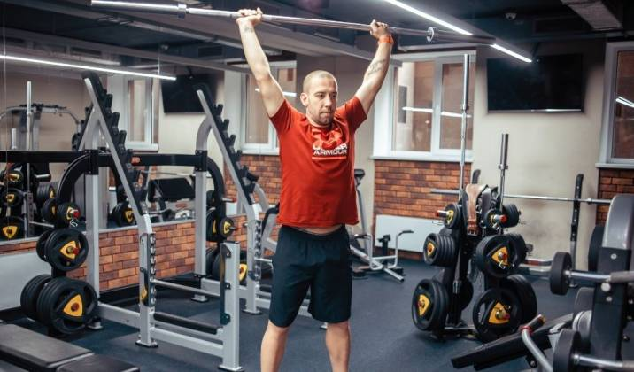 4 reasons why your overhead press so weak