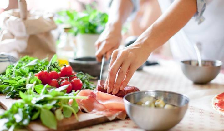 making your meals at home will make adhering to your calorie deficit much easier