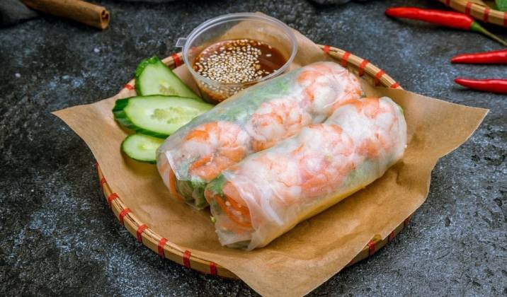 summer rolls are a light, refreshing yet filling healthy lunch idea for weight loss